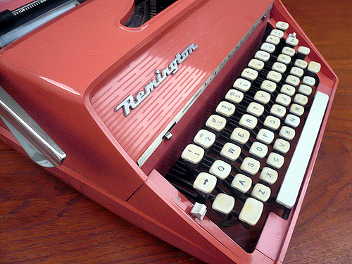 typewriter-retro